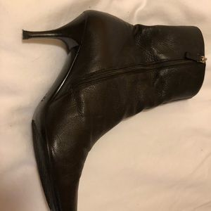 Gucci black leather booties